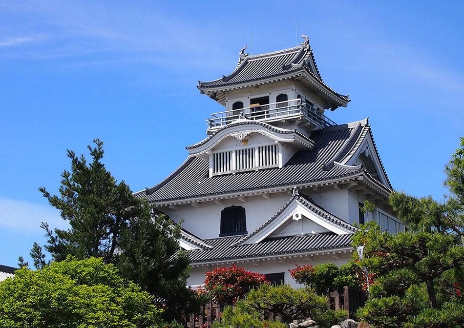 【滋賀】琵琶湖を一望!「道の駅 近江母の郷」は …