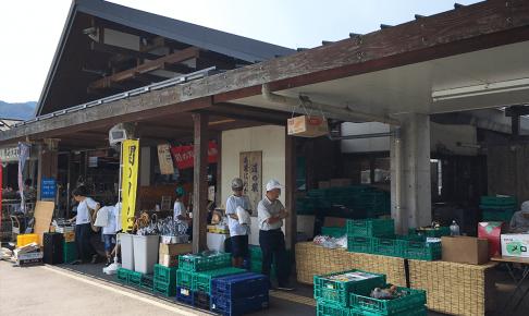 岐阜県道の駅美濃にわか茶屋外観
