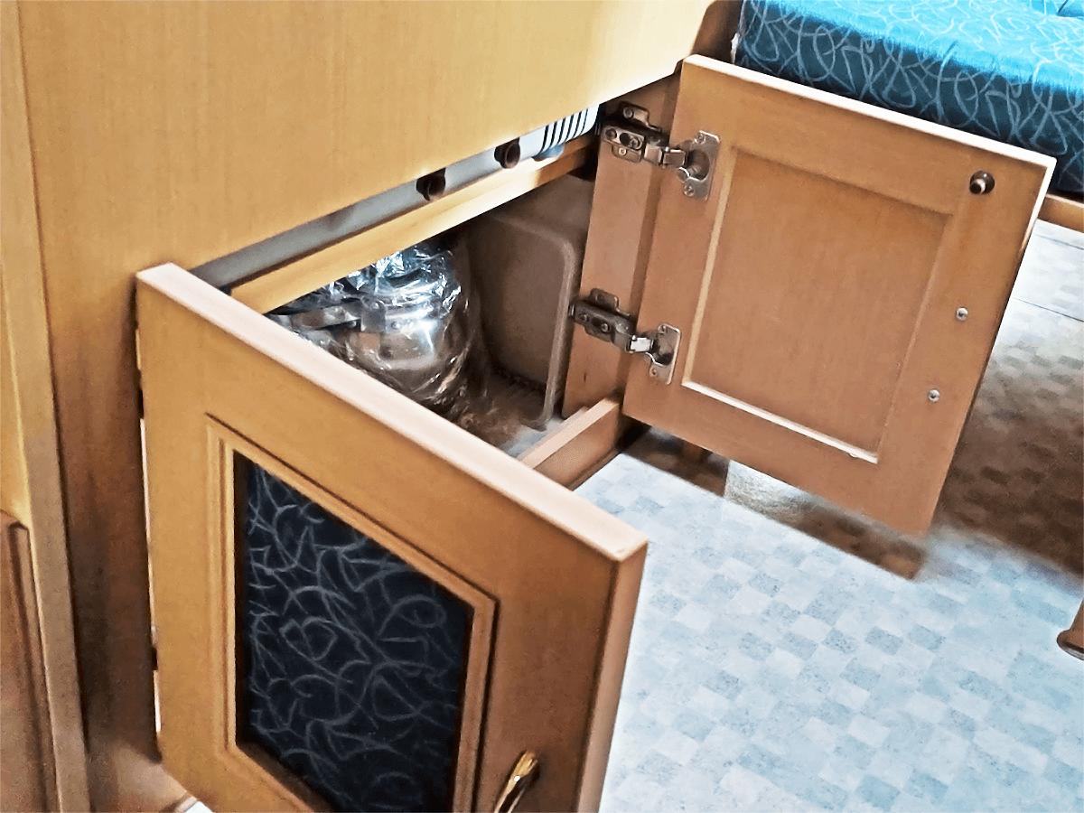 ミスティック社ウィンピュアJ's冷蔵庫下収納