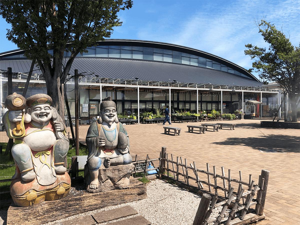 栃木県道の駅しもつけ外観