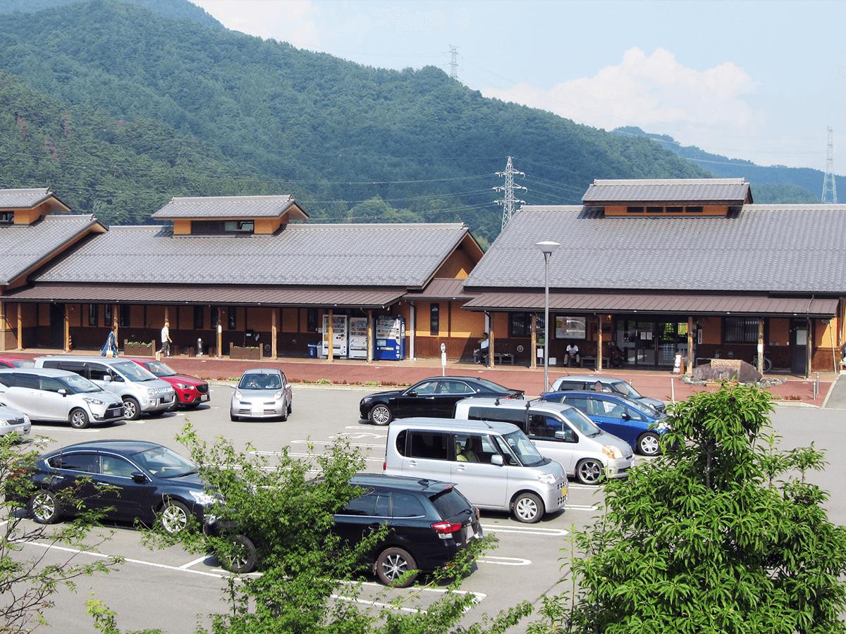 群馬県道の駅あがつま峡 駐車場