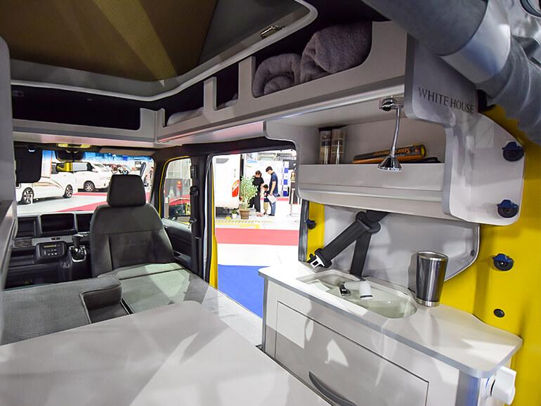 ホワイトハウス N-VAN Compo Pop Cabin 内装
