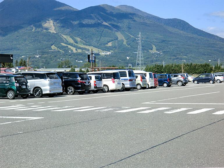 福島県道の駅猪苗代駐車場