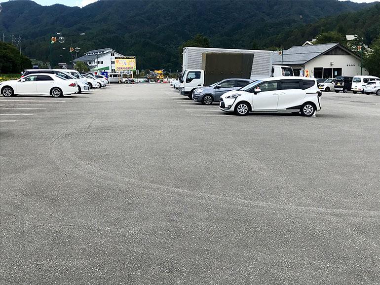 長野県道の駅信州平谷駐車場