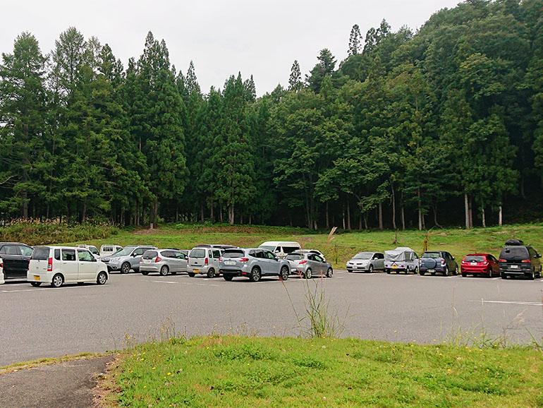 福島県道の駅からむし織の里しょうわ駐車場