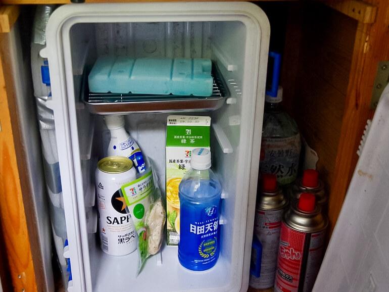 冷蔵庫 中