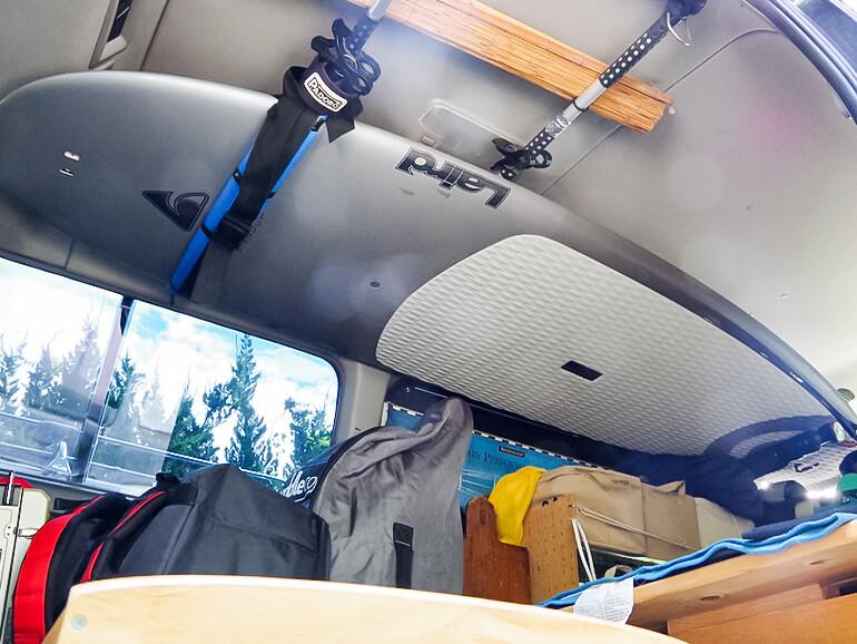 車内 天井 サーフボード