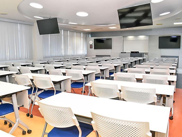 コヤマドライビングスクール 学科教室