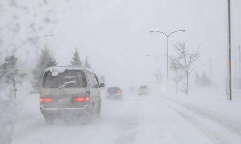 キャンピングカー 雪道