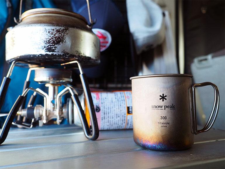 車内 キャンプ道具 コーヒー