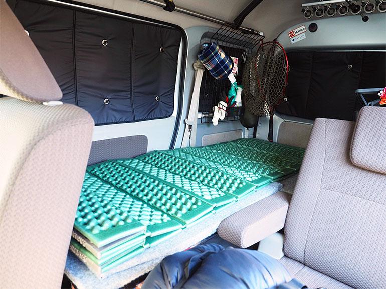 車中泊 釣り フルフラット ベッド