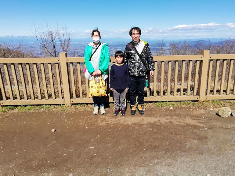 筑波山・山頂での家族写真
