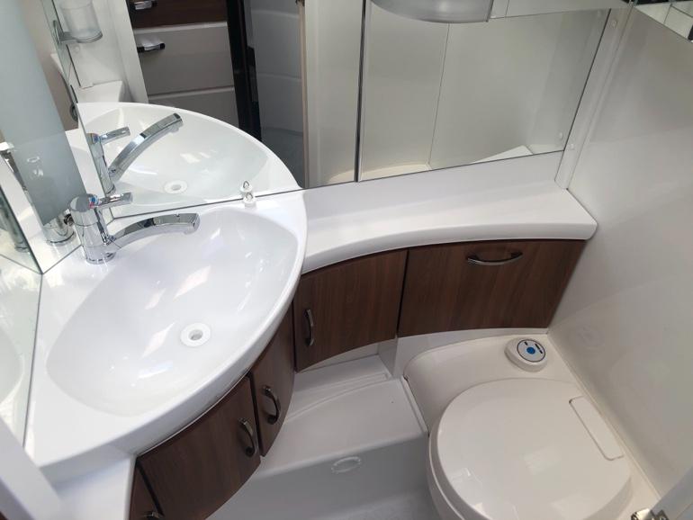 Hobby495ULのトイレ