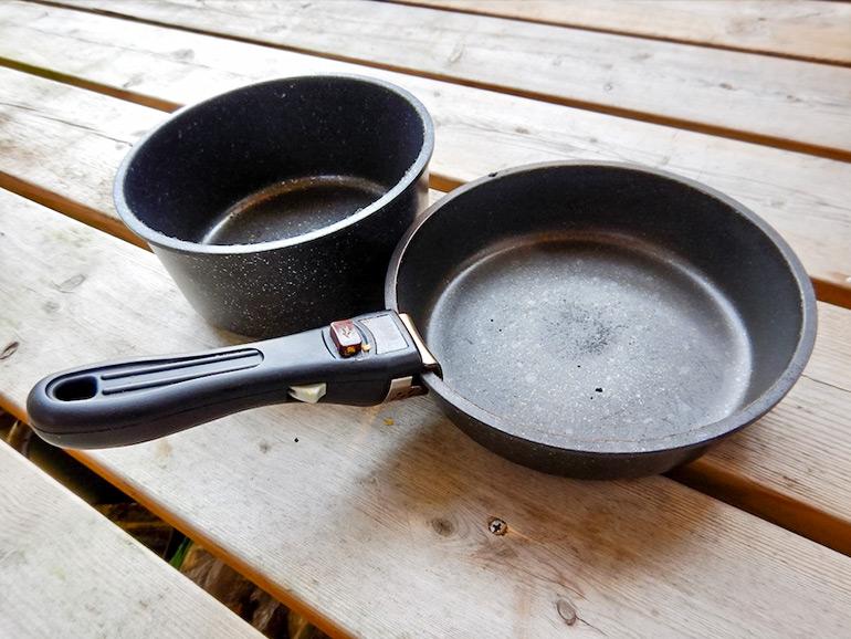 テフロン加工のされた鍋、フライパン