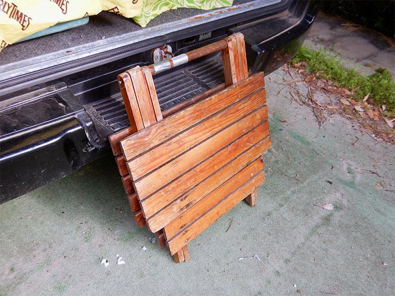古い木製テーブル折りたたみ